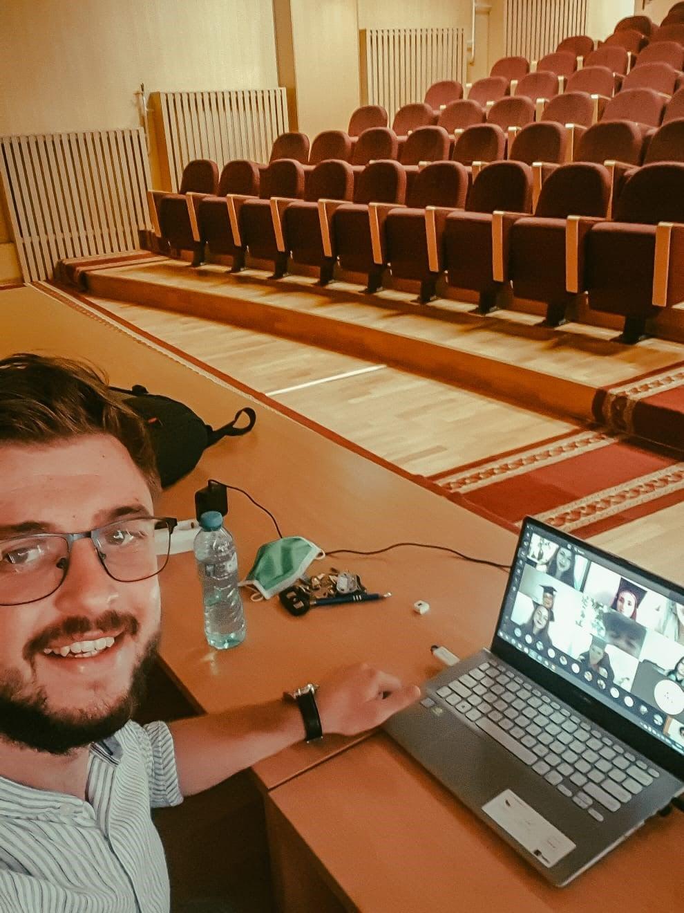 """Curs festiv online la Universitatea """"Vasile Alecsandri"""" din Bacău"""